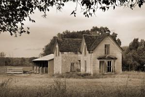DSC_0141 stone house web fRTGhh